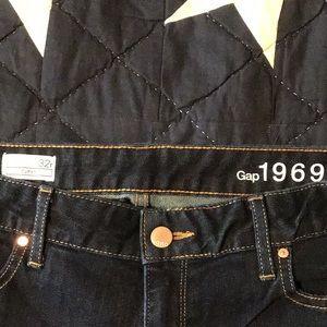 Gap dark wash Curvy Bootcut sz 32 reg Jeans